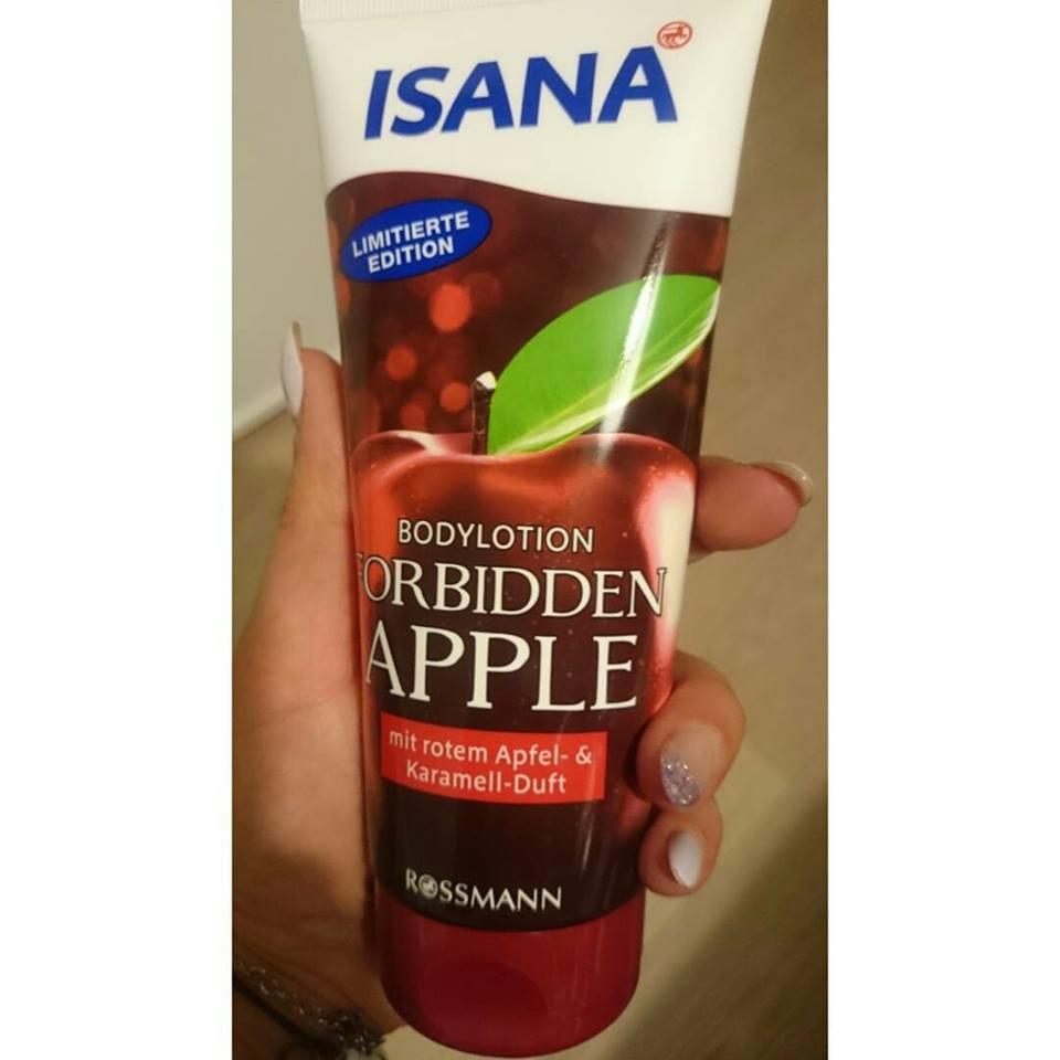 Dưỡng thể Isana hương táo và caramel