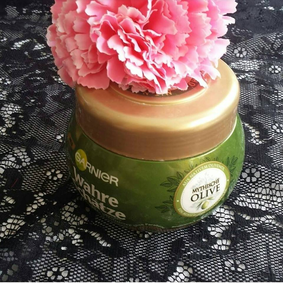 Ủ tóc Garnier Wahre Schatze hương oliu