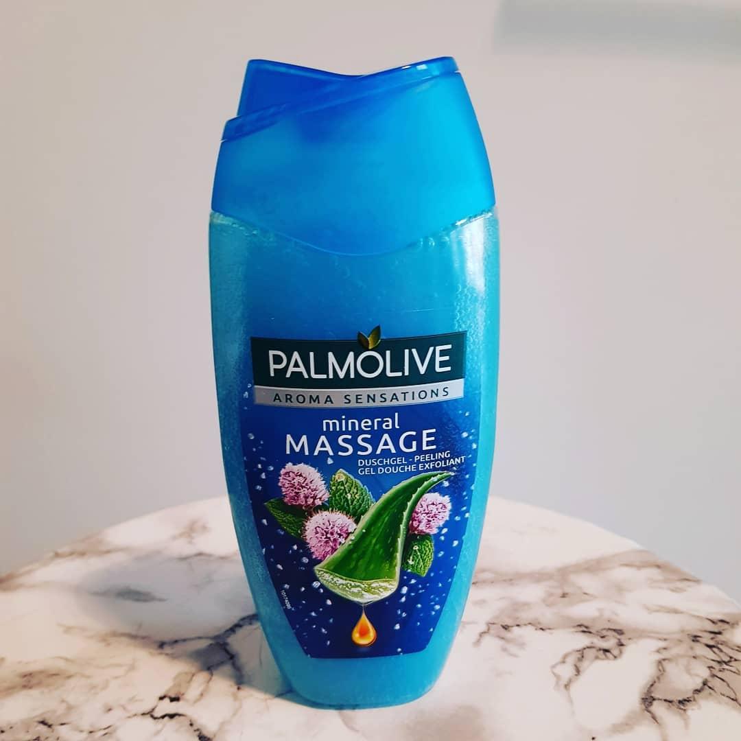 Sữa tắm tẩy tế bào chết Palmolive