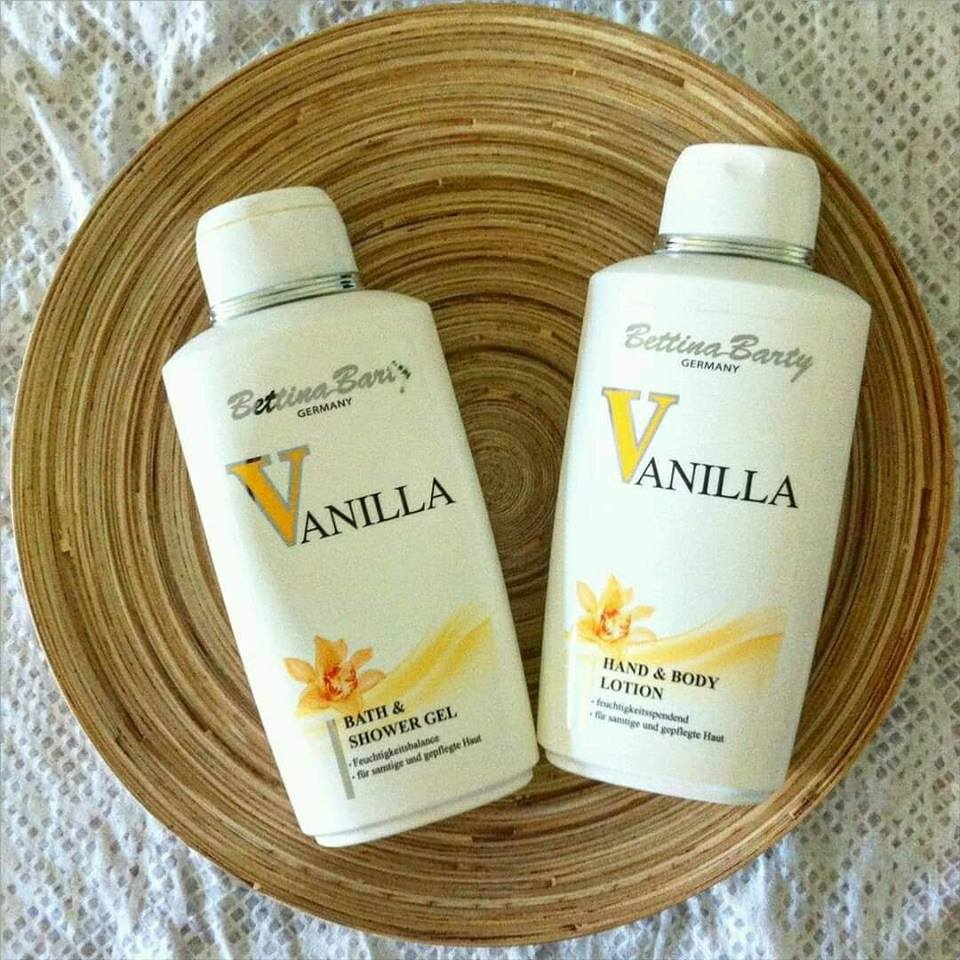 Combo sữa tắm và dưỡng thể tích hợp nước hoa Bettina Barty Vanilla