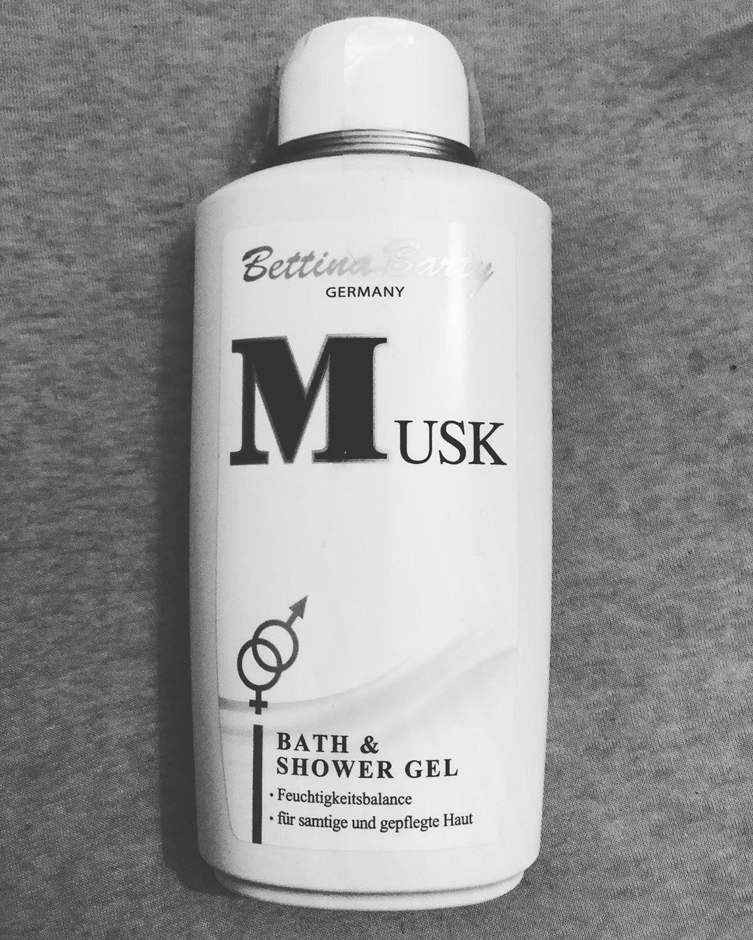 Sữa tắm hương nước hoa Musk dành cho cả nam và nữ