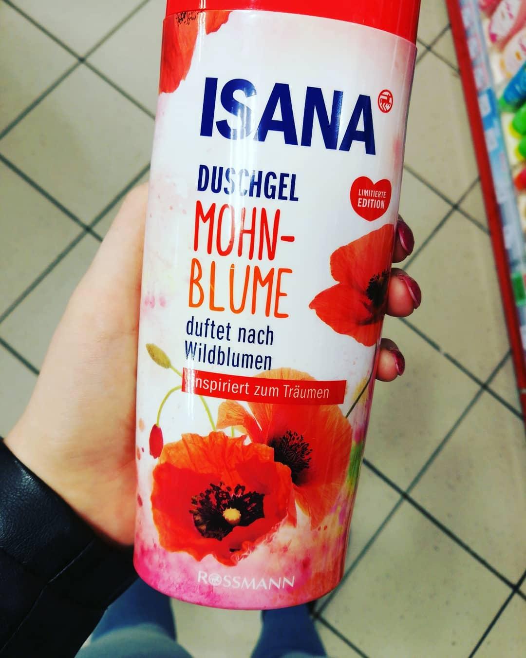 Sữa tắm isana hương hoa hồng