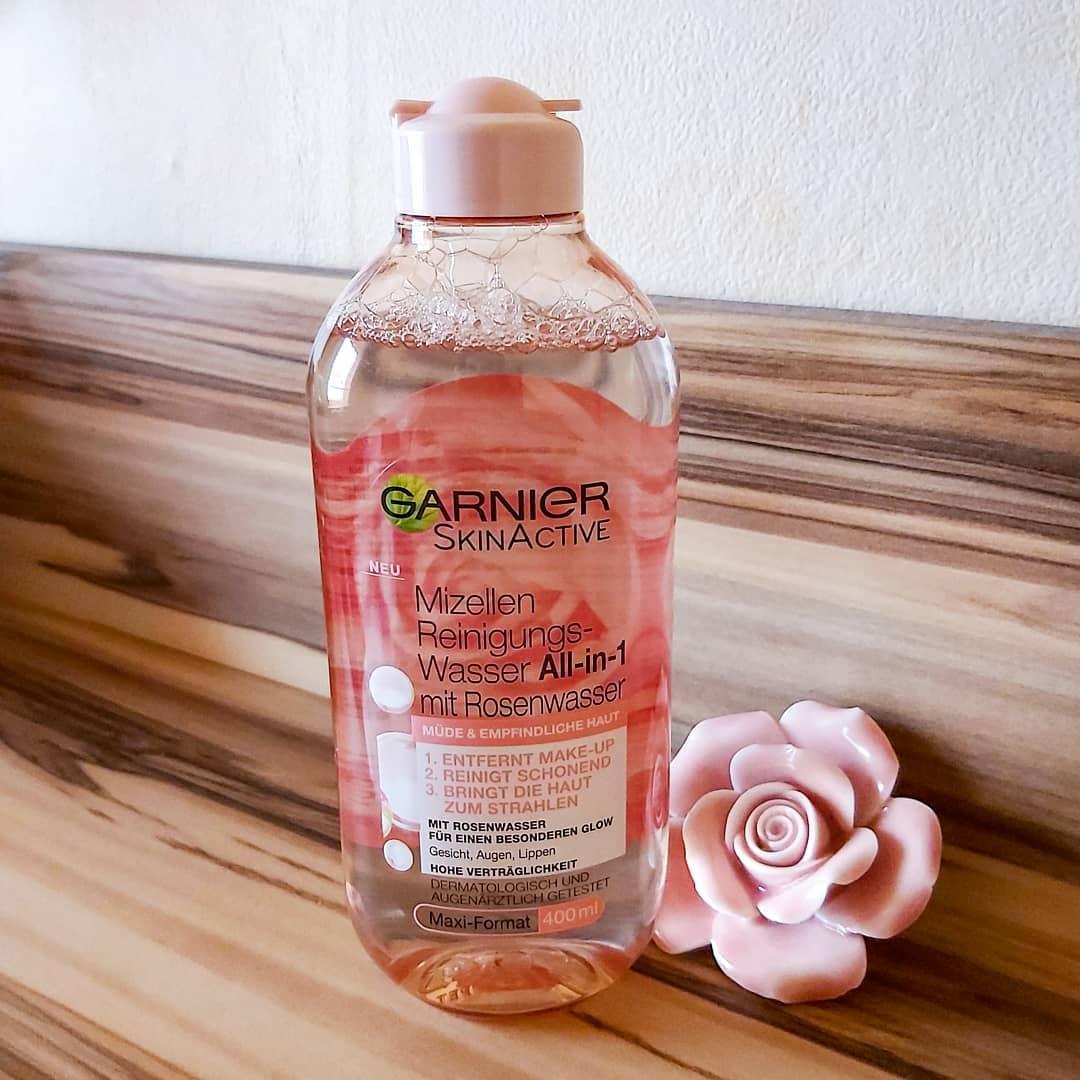 Nước tẩy trang Garnier chiết xuất hoa hồng